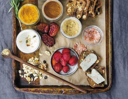 Rezepte fürs Wochenbett – Gerichte für die ersten vierzig Tage mit Baby: Kochbuch von Hing Ou // HIMBEER
