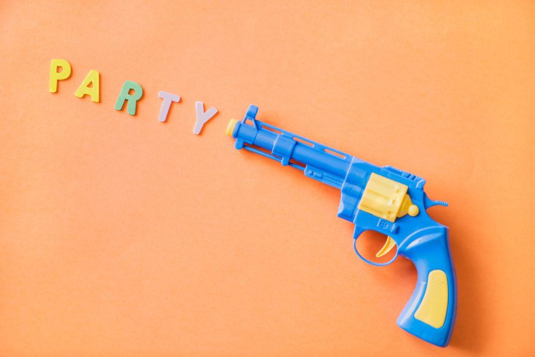 Letter, Buchstaben, Party, Kinderpistole, apricot, Kindergeburtstag, 50 tolle Tipps // München mit Kind