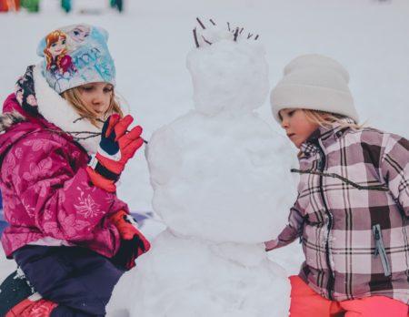 Schneemann, Kinder, Aktivtipps, draußen im Schnee // München mit Kind