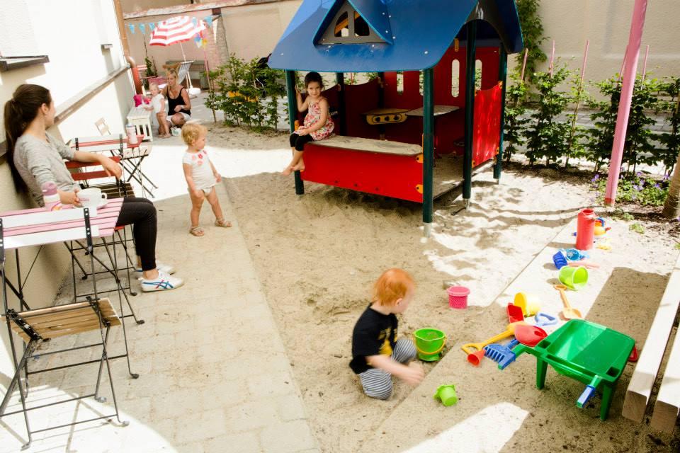 Kinderfreundliche Cafés in München: Café Zuckertag // HIMBEER