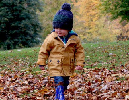 Junge im Wald Ausflugstipps | München mit Kind