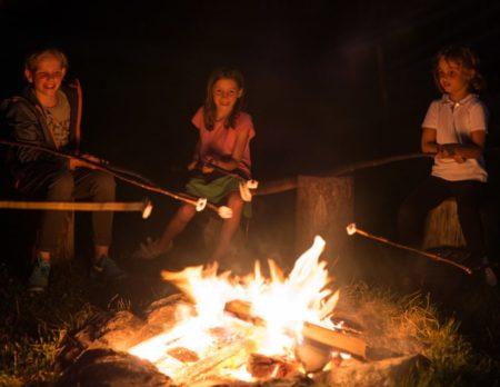 Lagerfeuer Tyrol Alphotel | München mit Kind