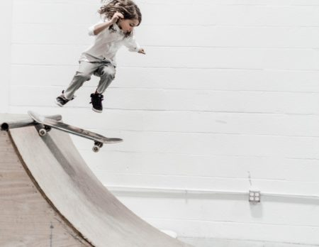 SkateboardMädchen Wochenendtipps März   München mit Kind