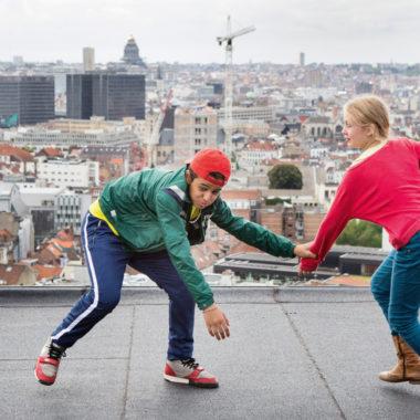 Kinder auf Flachdach Kinderfilmfest   München mit Kind