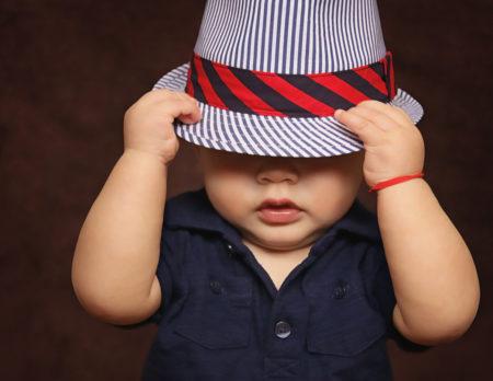 Kleinkind mit Hut | Muenchen mit Kind