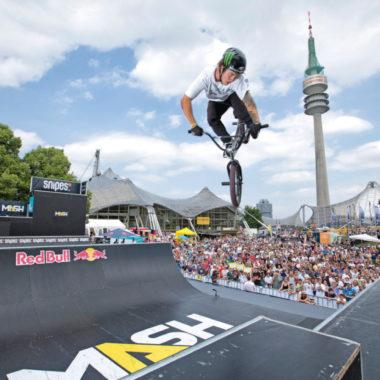 Actionsport BMX Olympiaturm Olympiapark   München mit Kind