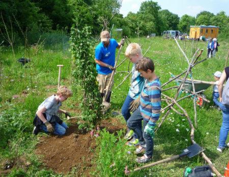 Kinder Garten gärtnern LBV Naturparadies // Muenchen mit Kind