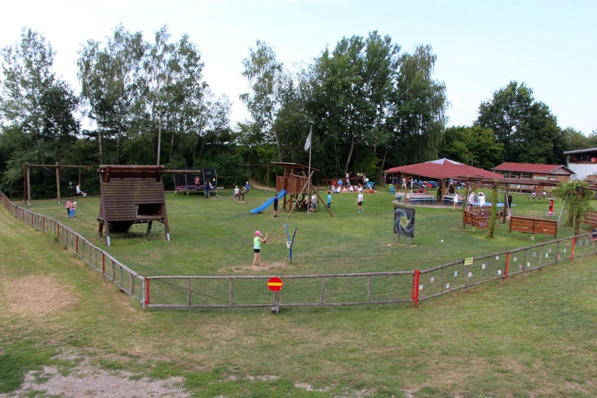 Ausflüge mit Kindern in München und Umland:Kinderspielplatz Labyrinth // HIMBEER