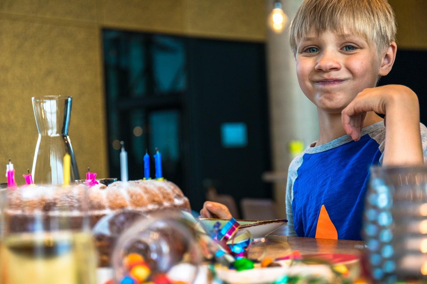 Kuchen Kind Geburtstag Jochen Schweizer // München mit Kind