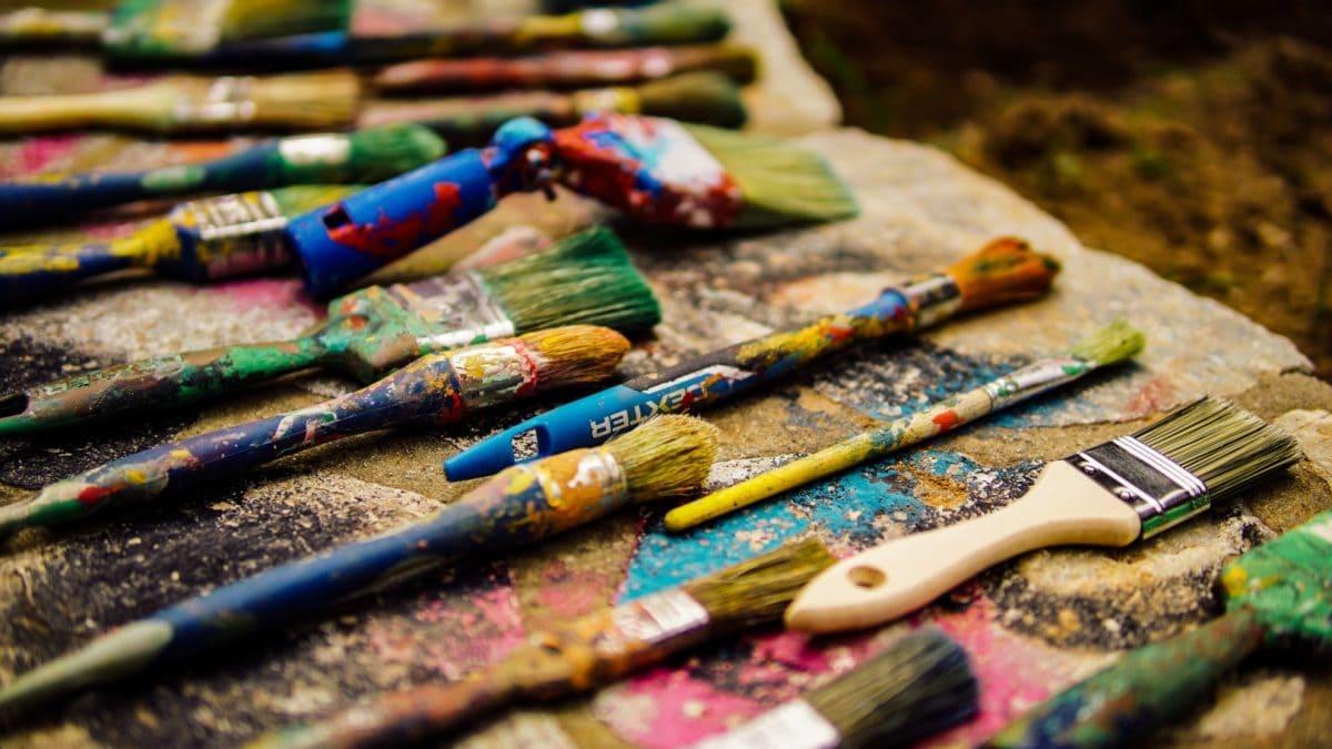 Pinsel Kreativkurse Farben // HIMBEER