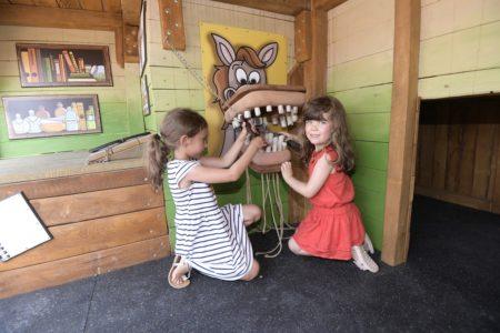 Bunte Spielturmwelt im EQUILALAND // München mit Kind