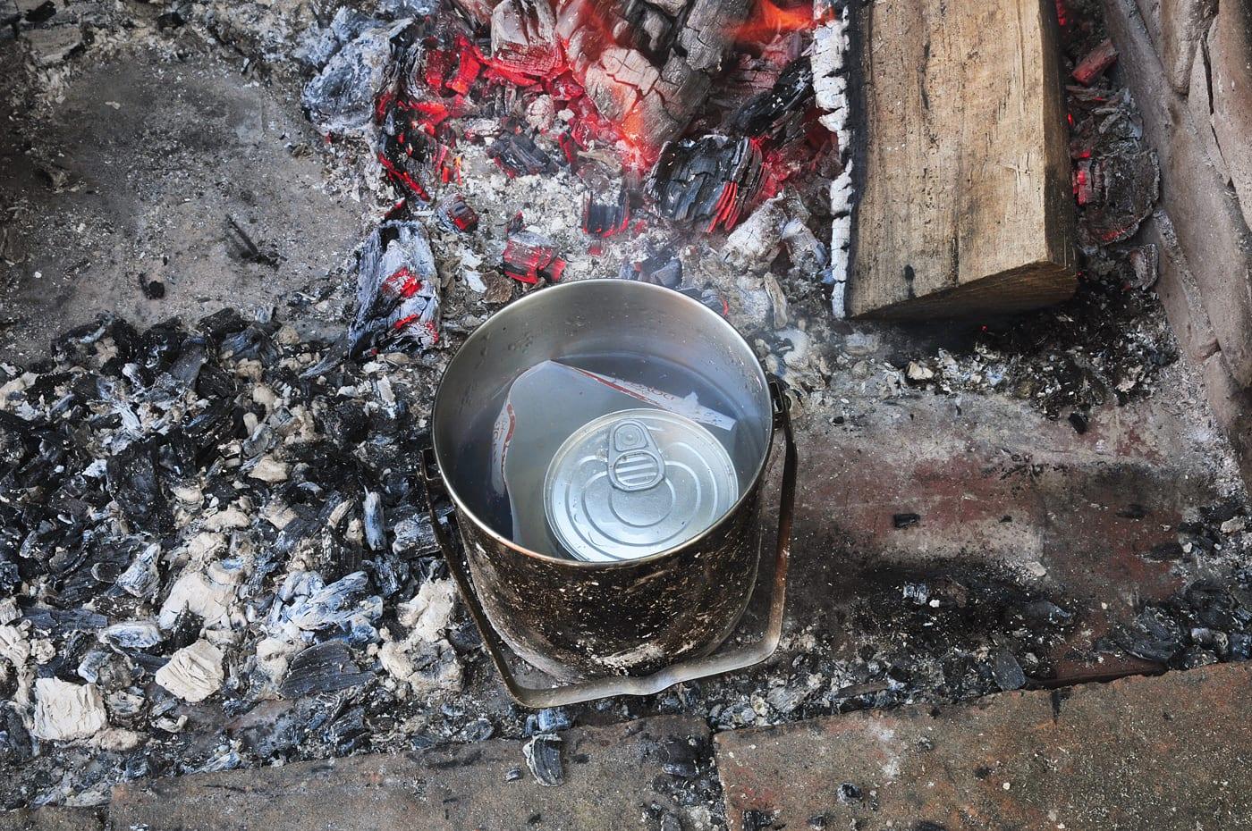 Kondensmilch am Lagerfeuer