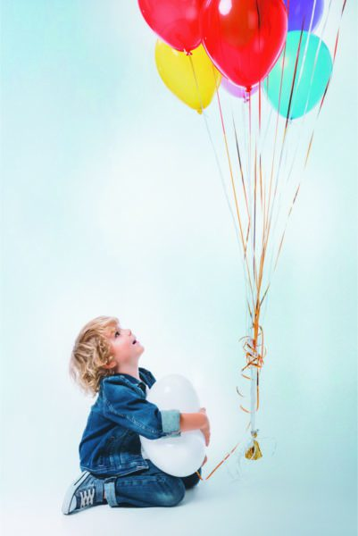 Junge Luftballons Geburtstag // Muenchen mit Kind