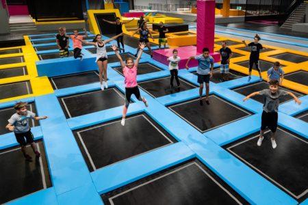 Maxx Arena Trampolin, Kinder, springen, von oben, sponsored post // München mit Kind