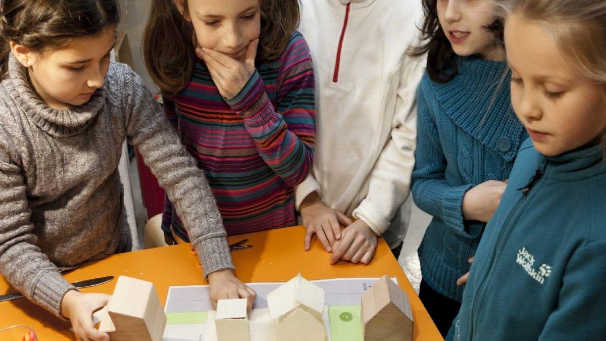 Kinder Haus Bauen Mitmachbaustelle // Muenchen mit Kind