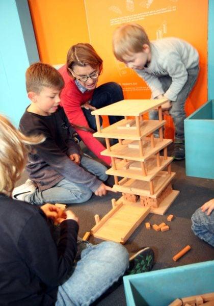 Mitmachbaustelle Turm Kinder // Muenchen mit Kind
