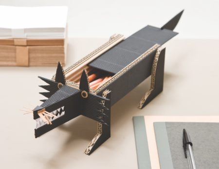 Gefährlicher Wolf-Stiftebehälter für den Schreibtisch // HIMBEER