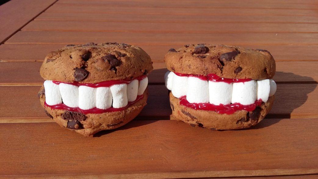 Gruselige Snacks für das Halloween-Buffet // HIMBEER