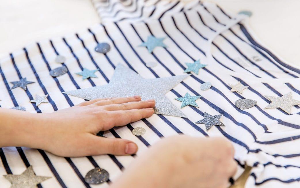 glitzershirt, fabfabstickers, blau, streifen, shirt, DIY // HIMBEER