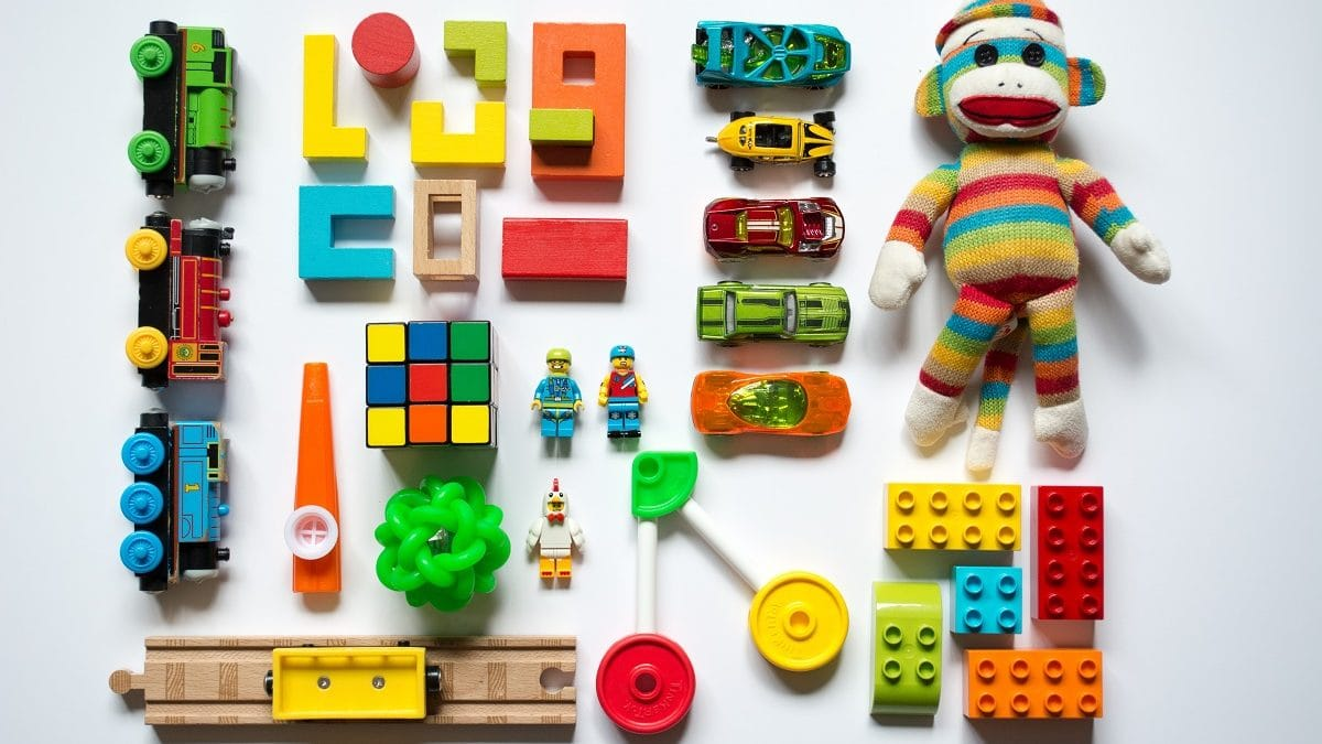 Flohmarkt, Kinderflohmarkt, Basar, Sammelartikel, Frühling, Kindersachen, Spielzeug, Farben, Bunt // München mit kind