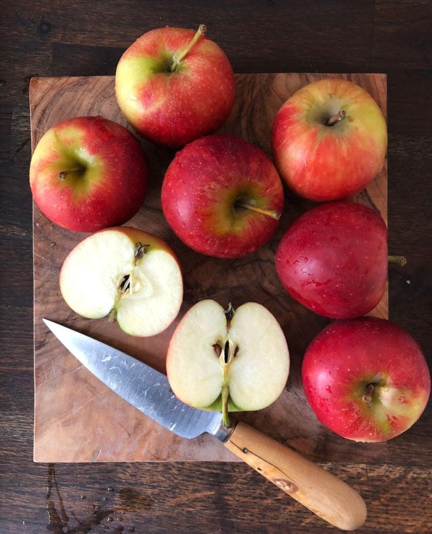Backen mit Kindern: Applecrumble-Rezept, kinderleicht zum Nachbacken // HIMBEER