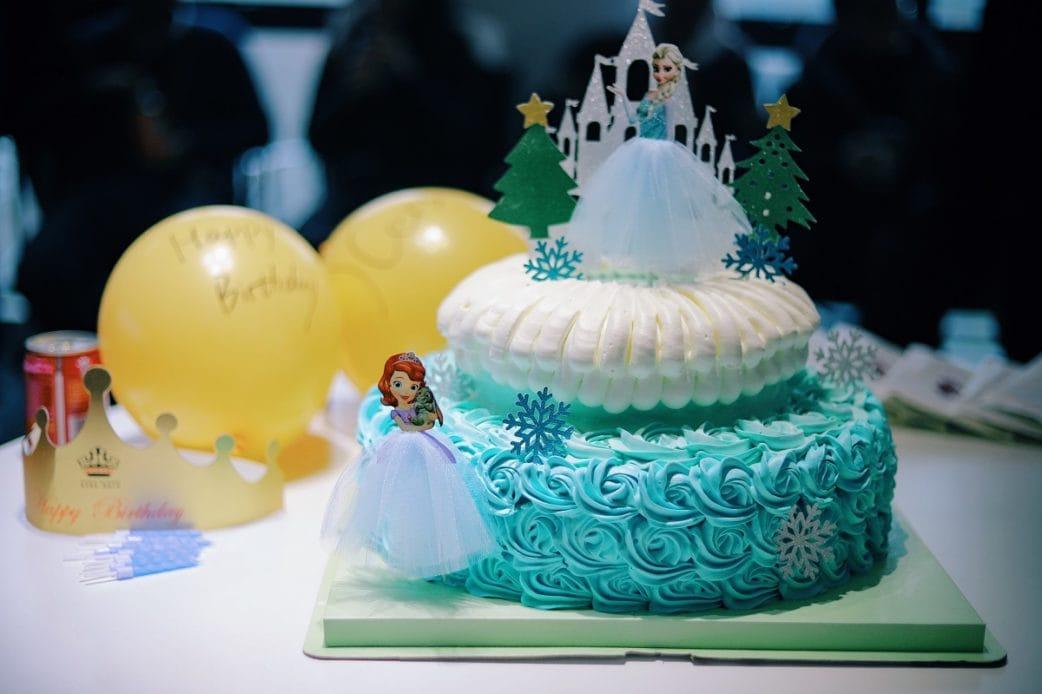 Torte, Zuckergebäck, 50 tolle Tipps Geburtstag, Elsa, Zuckerguss // München mit Kind