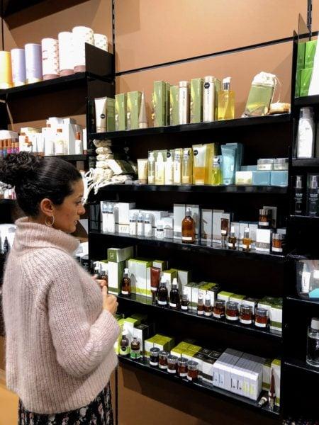 tobs, organic beauty store, wellness, schriftzug, Dunia, Produkte // München mit Kind