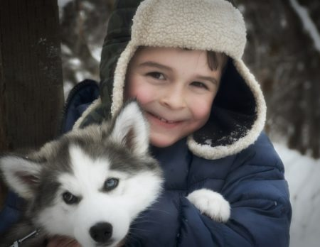 Junge Kind Husky Winter Wochenendtipps // Muenchen mit Kind