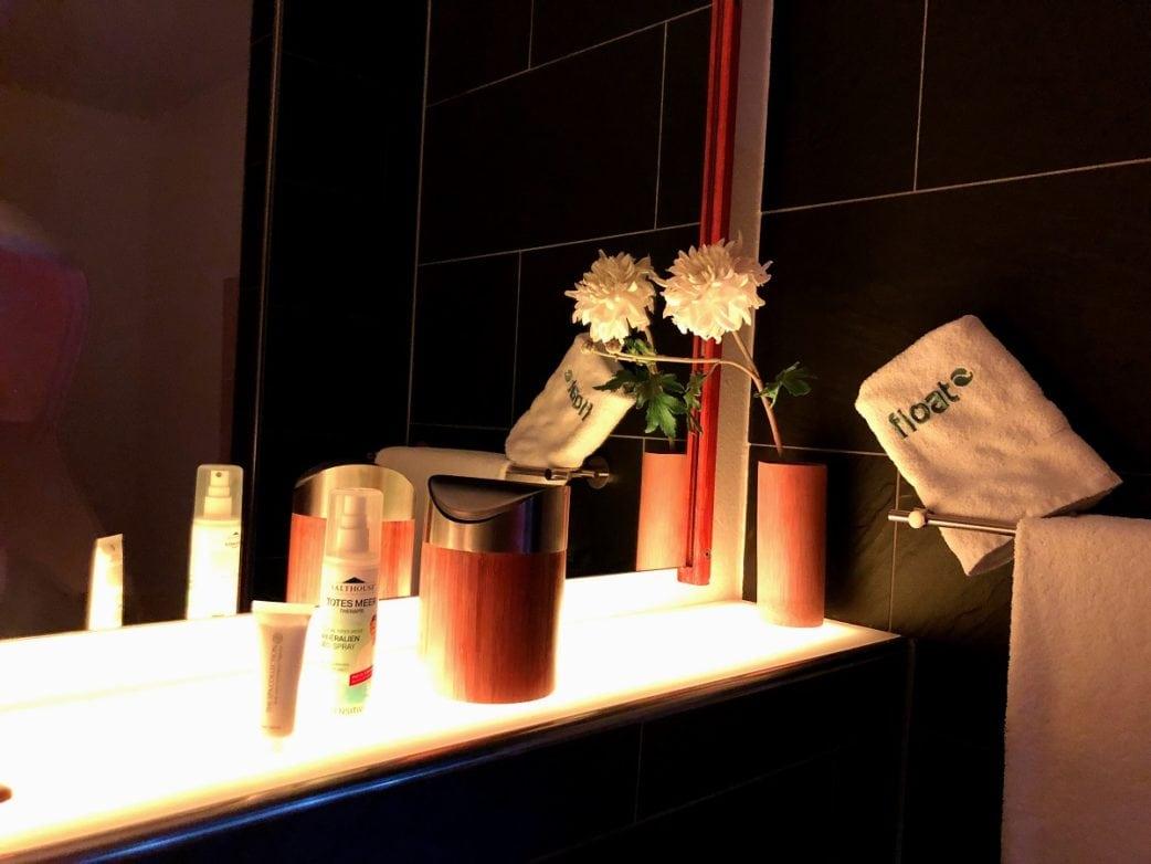 Wellness in the City, Deko, Blumen, Spiegel, float Schwabing // München mit Kind