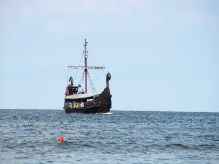 Wikingerschiff Wikinger Chiemseeufer // HIMBEER