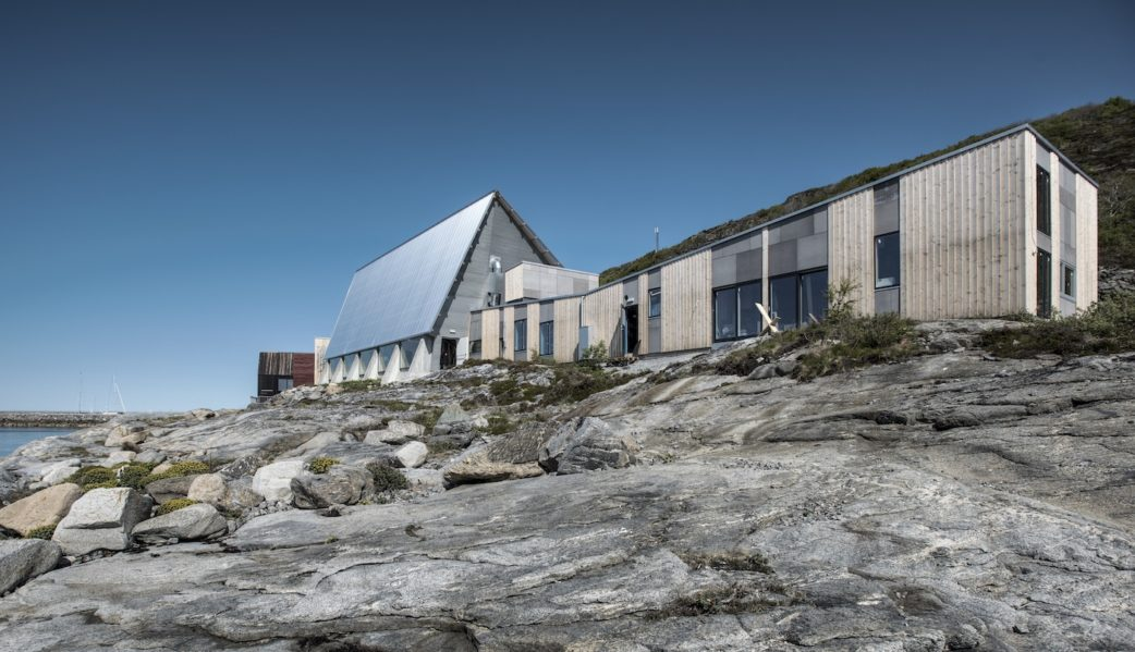 Familien-Reisetipp von Good Travel: Norwegen mit Kindern: Adventure Camp Stokkøya Sjøsenter // HIMBEER