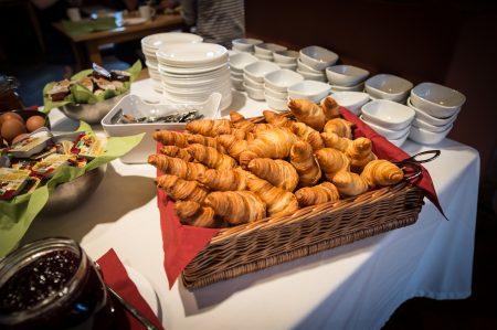 Feierwerk Brunch Croissants Buffet // HIMBEER