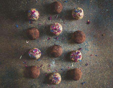 Rezepte für Familien: Peanutbutter-Energy-Balls // HIMBEER