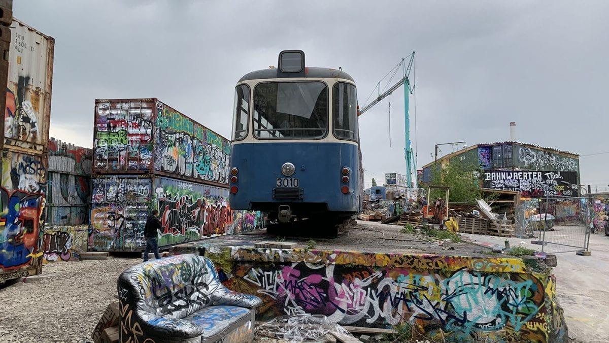 Trambahn Jugendtreff Bahnwaerter Thiel // HIMBEER