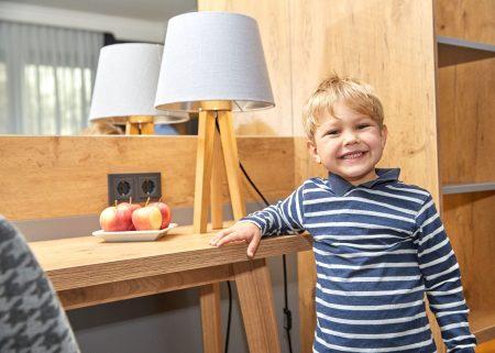 Kind Junge Das Ludwig Kinderhorte Tester // HIMBEERE
