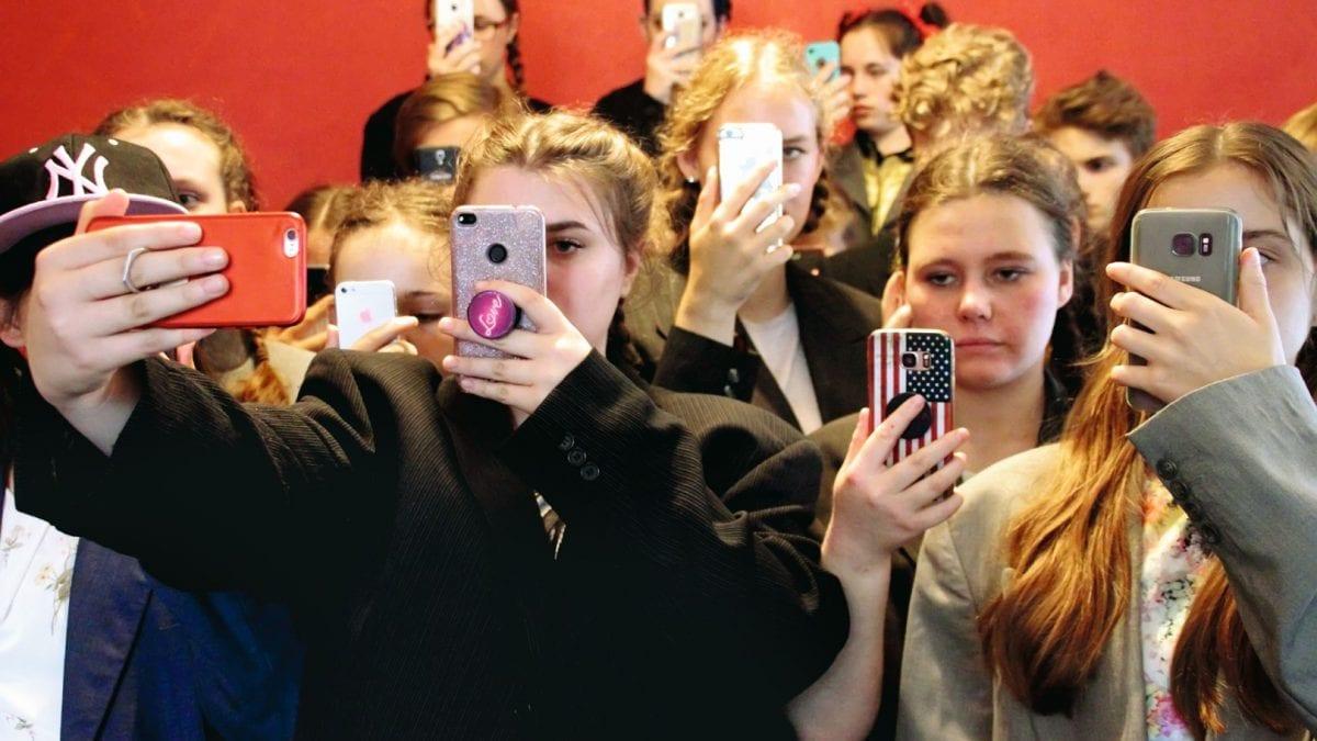 Rampenlichter Tanz- und Theaterfestival Smartphones // HIMBEER