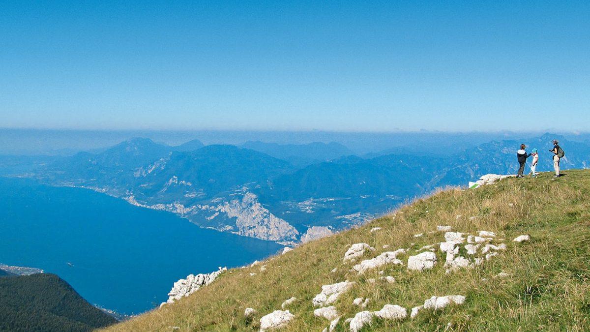 Wanderführer für Familien vom Bergverlag Rother: Erlebniswandern mit Kindern am Gardasee // HIMBEER