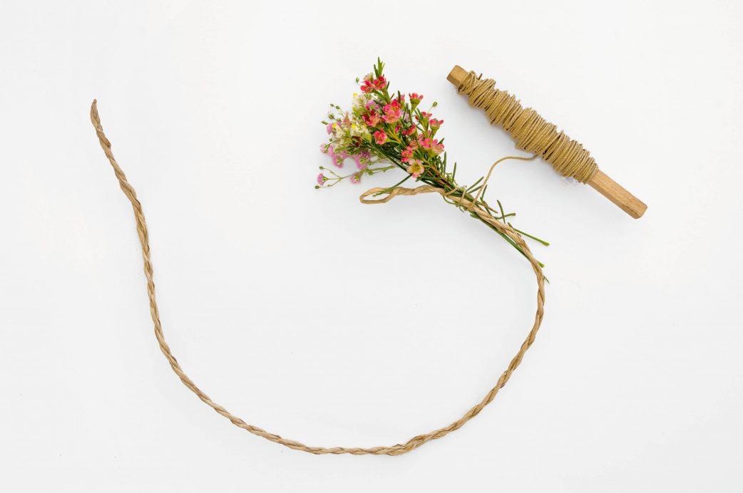 Einen sommerlichen Haarkranz basteln // HIMBEER