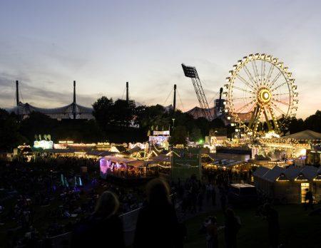 impark Abenddaemmerung Olympiapark Sommer // HIMBEER