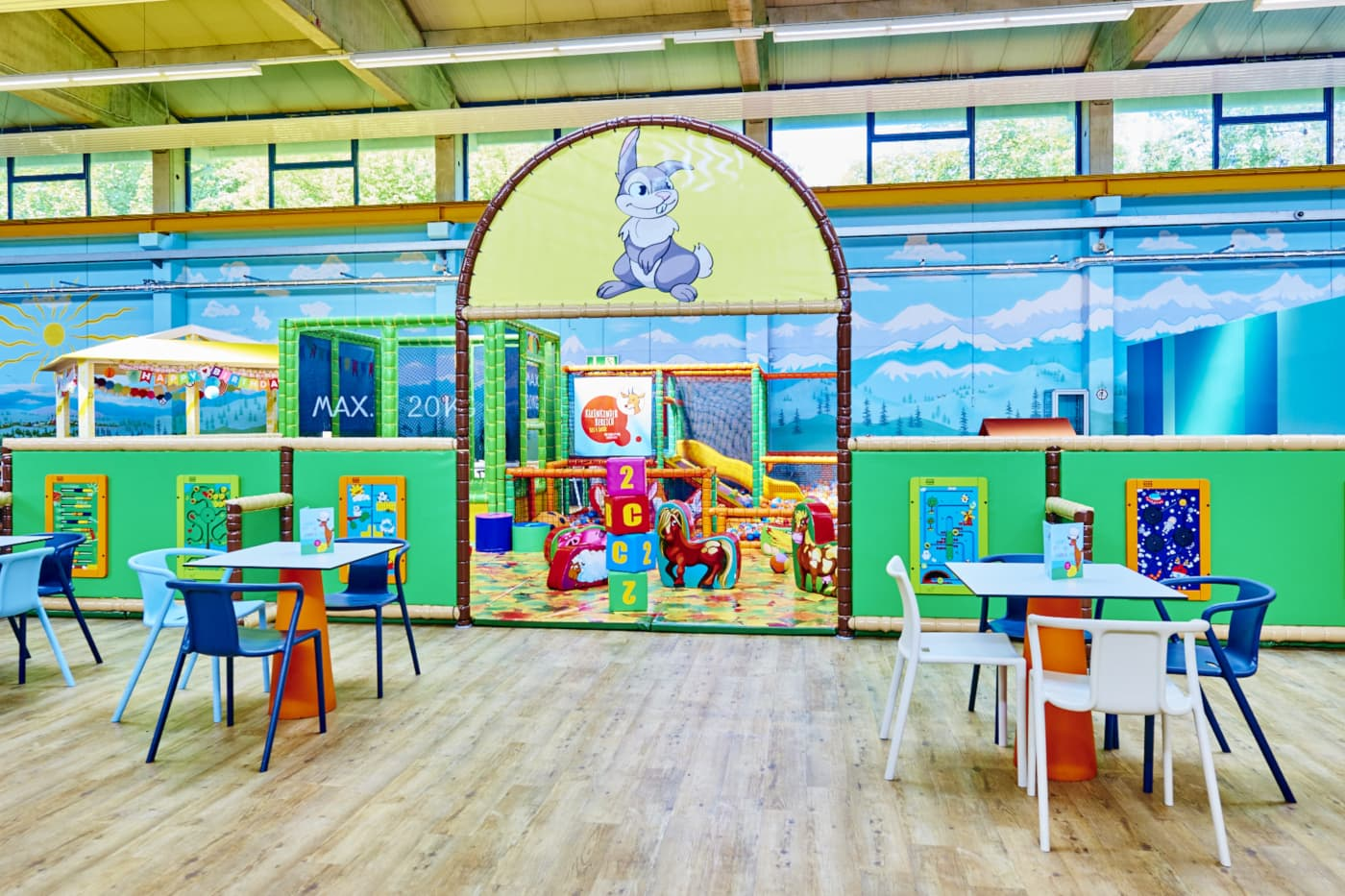 Jux und Tollerei Kleinkinderbereich Indoorspielplatz // HIMBEER
