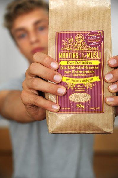 Martins Muesli Packung Made in Munich lokale Produkte // HIMBEER