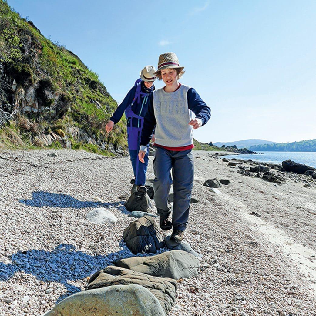 Reisetipp für Familien: Wandern mit Kindern in Schottland // HIMBEER
