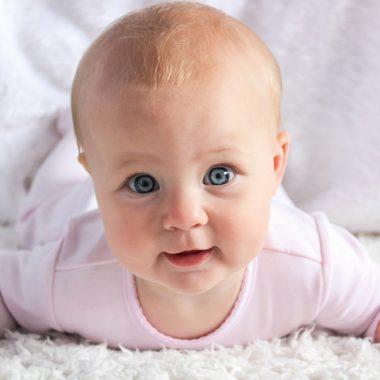 Baby krabbeln Baby-Yoga // HIMBEER