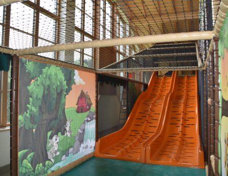 Indoorhalle Rutschen // HIMBEER