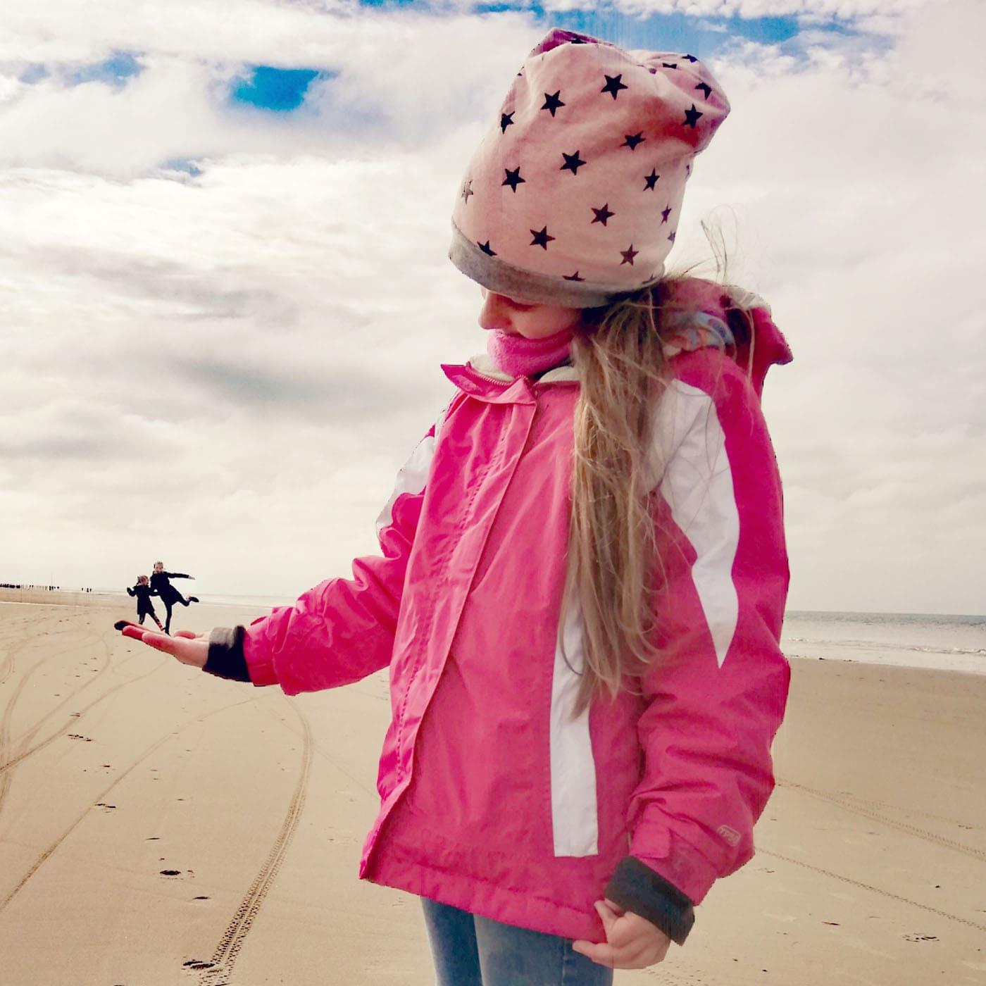 Familienurlaub in Seeland. Niederlande: Am Strand mit Kindern // HIMBEER