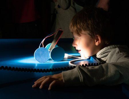 Licht an Licht aus Kindermuseum Junge // HIMBEER