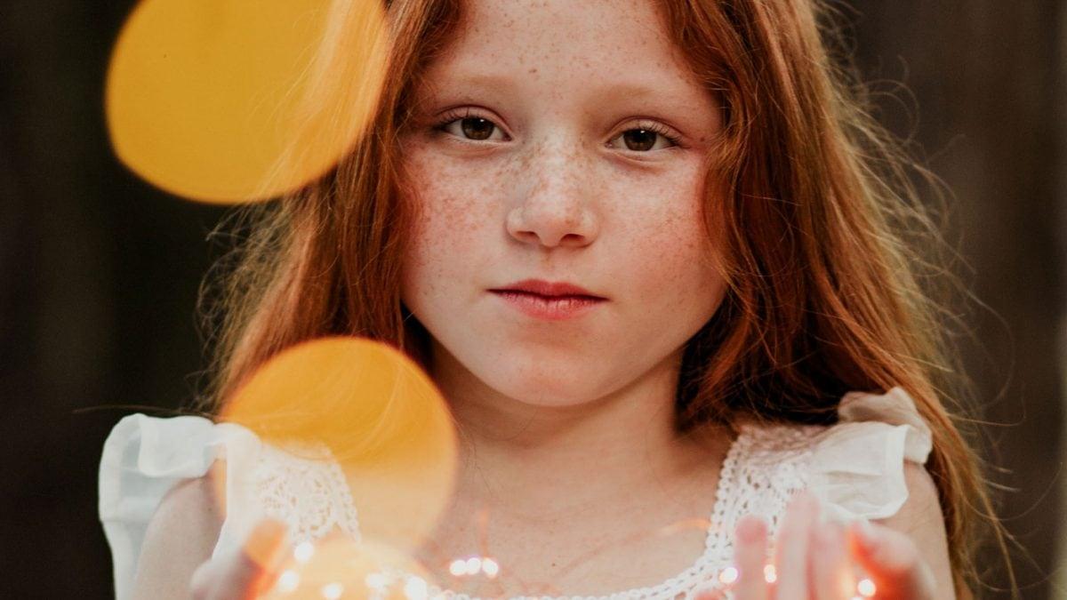 Wochenendtipps Mädchen Lichterkette // HIMBEER