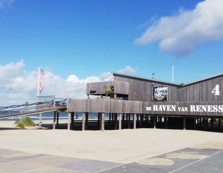 Familienurlaub in Zeeland, Niederlande: Am Strand mit Kindern // HIMBEER