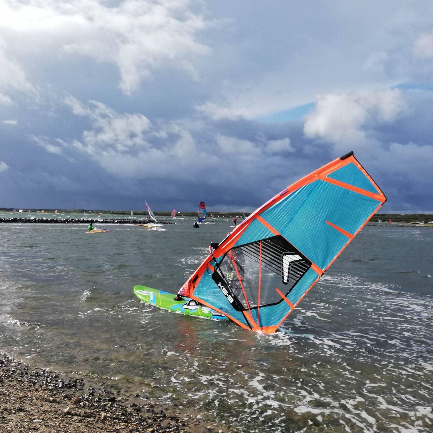 Familienurlaub in Zeeland, Niederlande: Windsurfen // HIMBEER