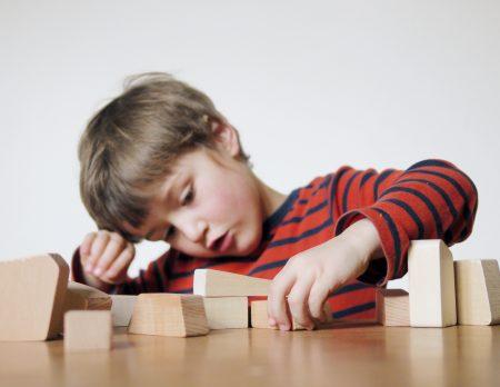 Kreatives Design-Spielzeug für Kinder: Lessing Hiolzbausteine Mauersack // HIMBEER